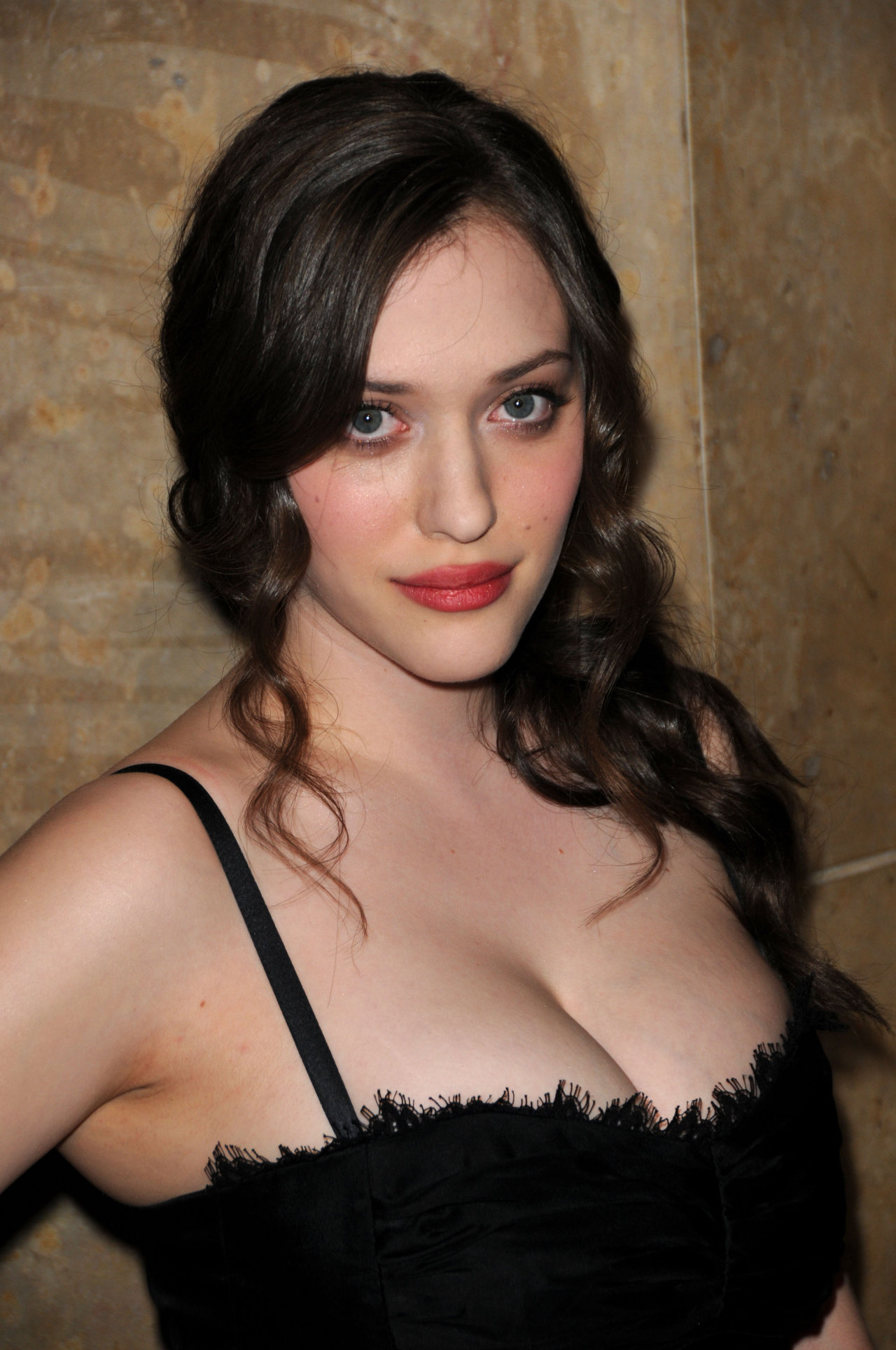 Kat Dennings - Photo Set