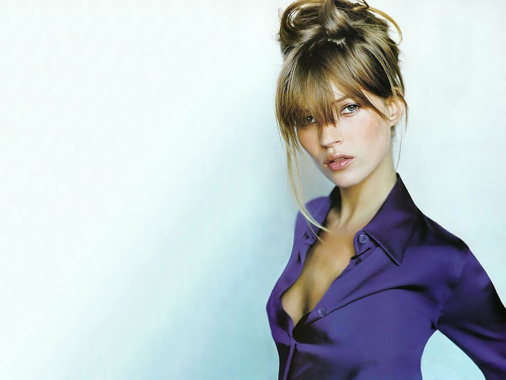 kate moss Kate moss is an english supermodel, well known for he waif-like physique as well as her high profile advertising campaigns and.
