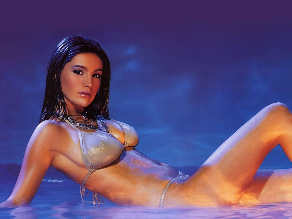 Kelly Brook - Images