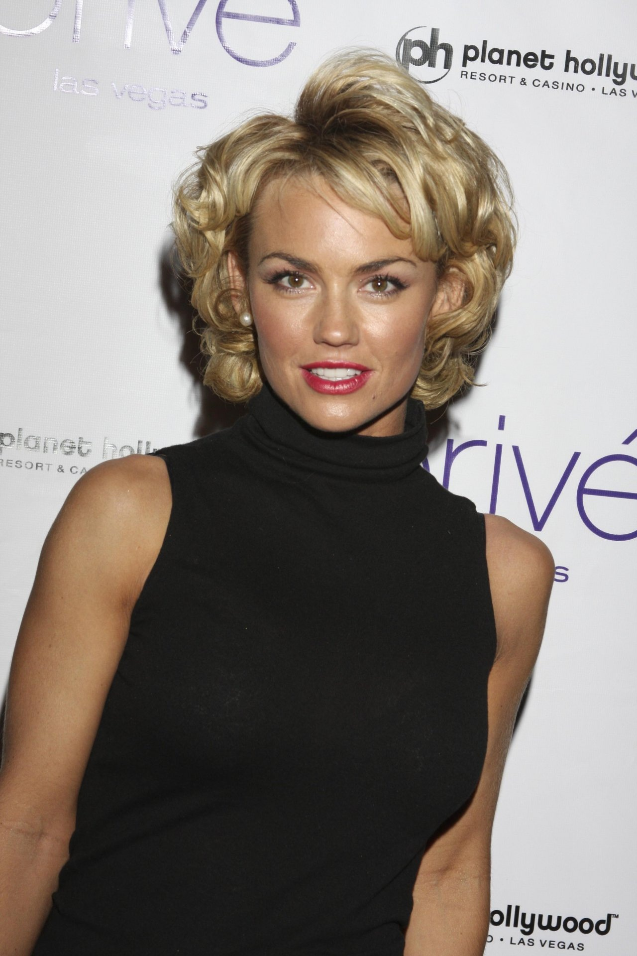 Kelly Carlson Nude Photos 11
