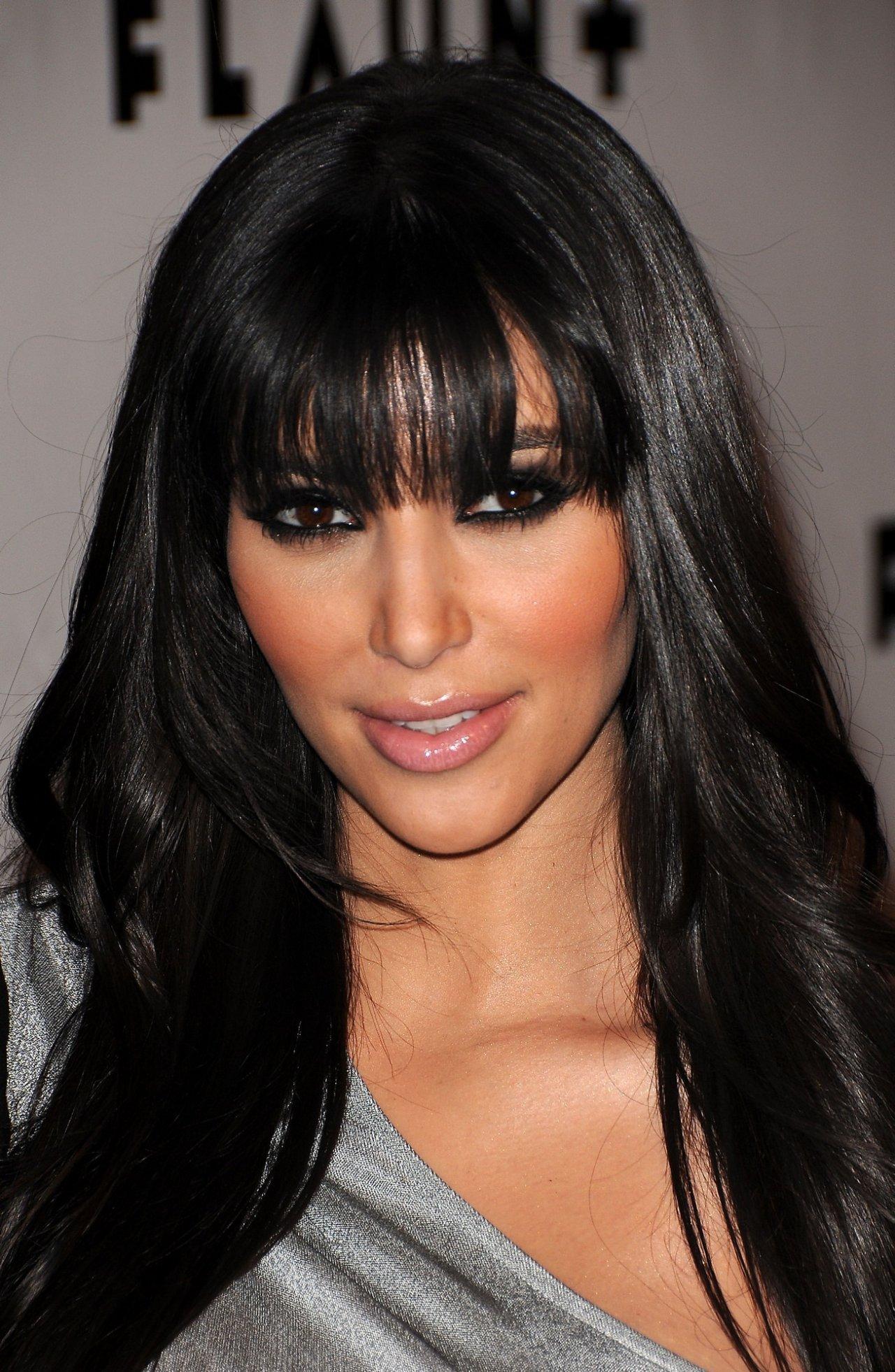 Kim Kardashian wallpap... Kim Kardashian